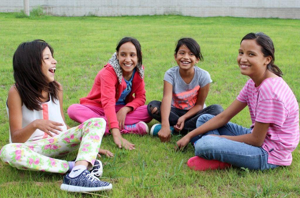 Rescatamos, restauramos y equipamos niños: formamos una generación de líderes